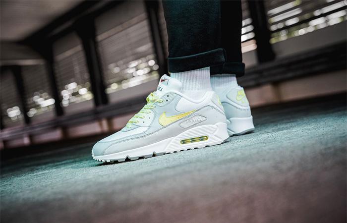 Nike Air Max 90 Mixtape CI6394-100 on foot 01