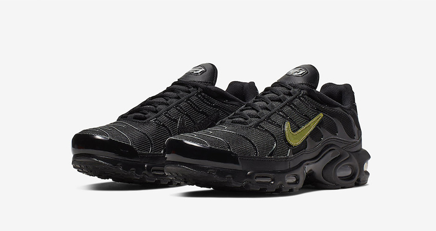 Nike Air Max Plus Is Releasing With Removable Metalic Gold Swooshes 01
