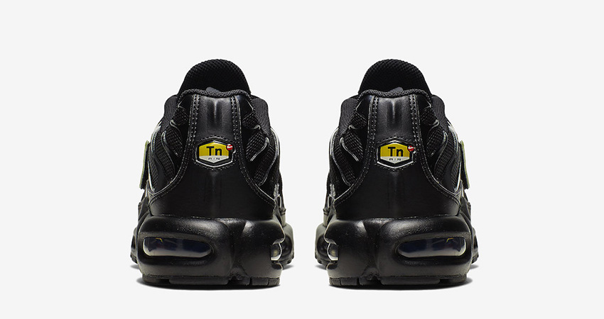 Nike Air Max Plus Is Releasing With Removable Metalic Gold Swooshes 04