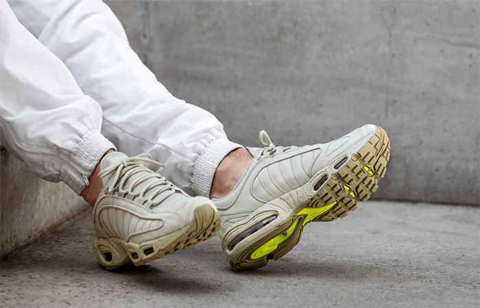 Nike Air Max Tailwind 4 Sandtrap Ripston BV1357-200 on foot 01