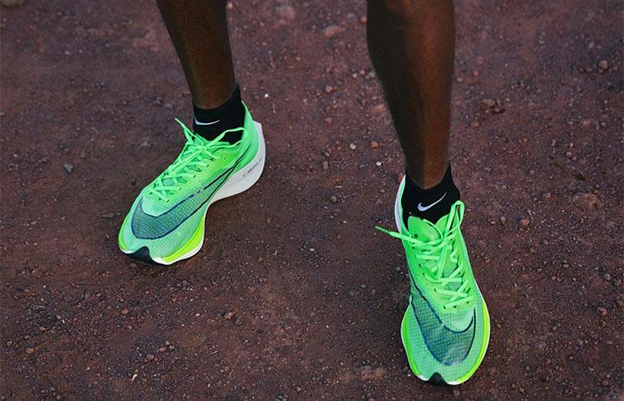 Nike ZoomX Vaporfly Next Volt AO4568-300 02