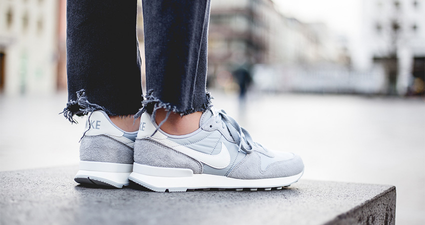 On-Foot-Look-At-The-Nike-Womens-Internationalist-Grey-01