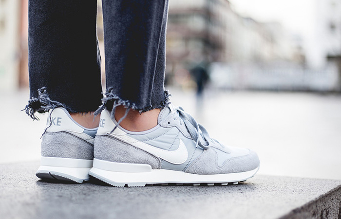 On-Foot-Look-At-The-Nike-Womens-Internationalist-Grey