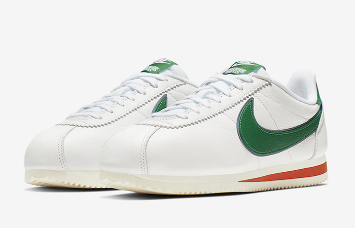"Stranger Things Nike Cortez ""Hawkins High"" CJ6106-100 03"