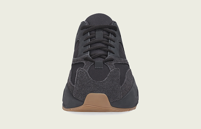Yeezy Boost 700 Utility Black 02