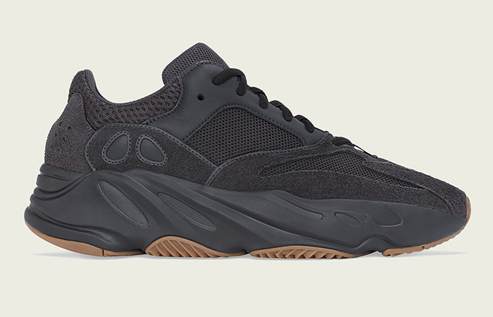 Yeezy Boost 700 Utility Black 03
