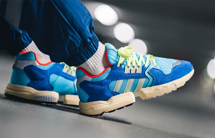 adidas ZX Torsion Royal Blue EE4787 on foot 02