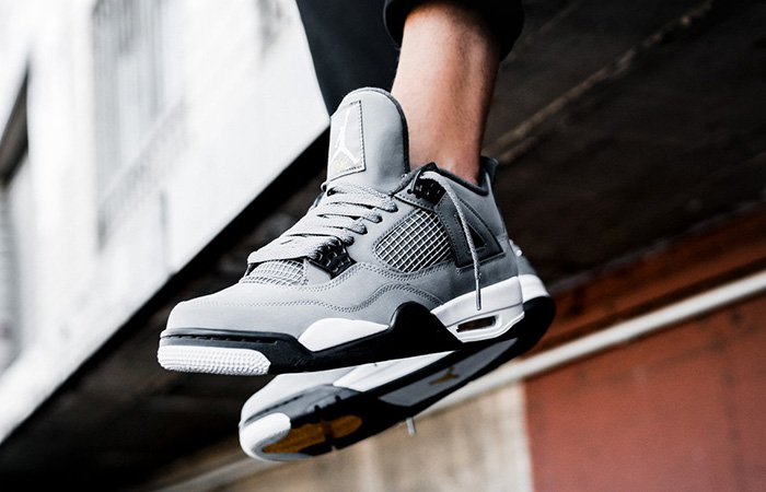 Jordan 4 Cool Grey 308497-007 on foot 02