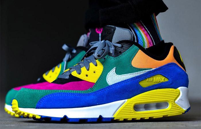 Nike Air Max 90 Viotech CD0917-300 on foot 01