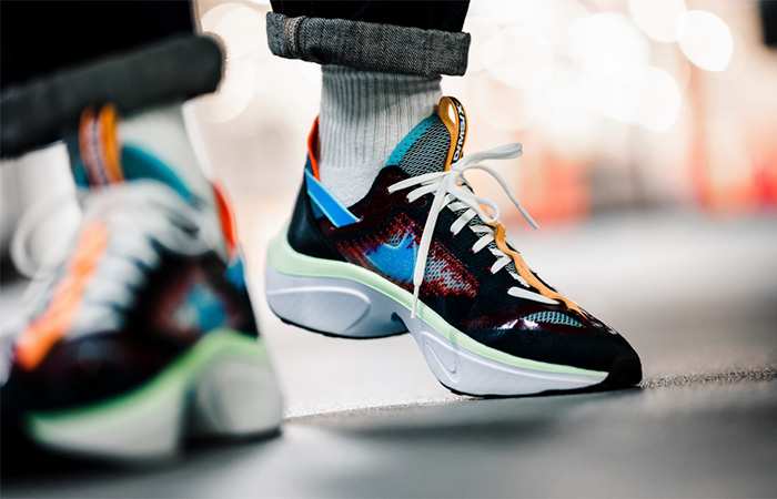 Nike DMSX N110 DIMSIX AT5405-001 on foot 02