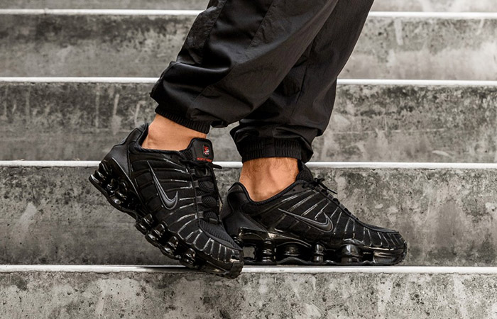 Nike Shox TL Black AV3595-002 on foot 01
