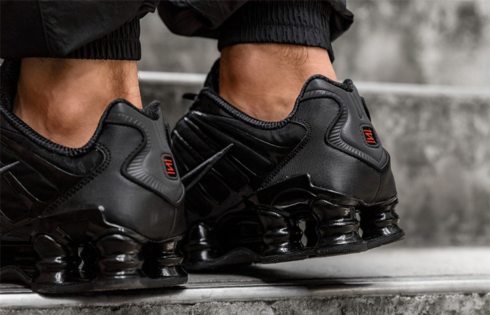 Nike Shox TL Black AV3595-002 on foot 03