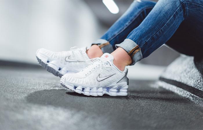 Nike Shox TL White AR3566-100 on foot 02