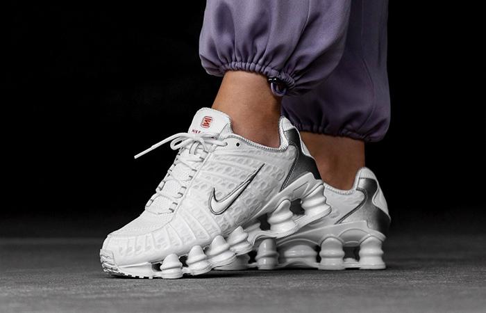 Nike Shox TL White AR3566-100 on foot 03