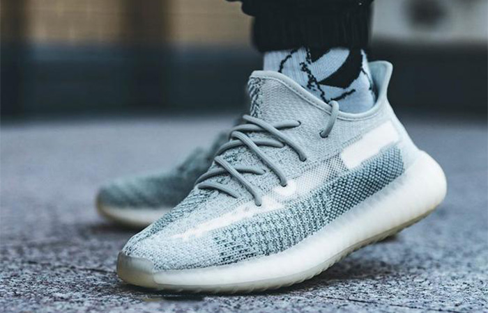 Yeezy Boost 350 V2 Cloud White FW3043 on foot 02