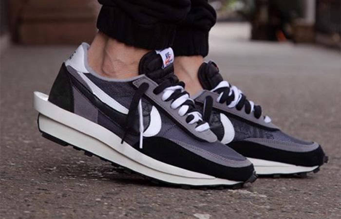 sacai Nike LDV Waffle Black on foot 02