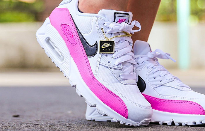 Here You Will Found A Nike Logo Pendant With The Upcoming Air Max 90 China Rose ft