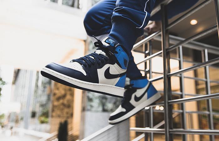 Nike Jordan 1 High Retro OG Obsidian 555088-140 on foot 02