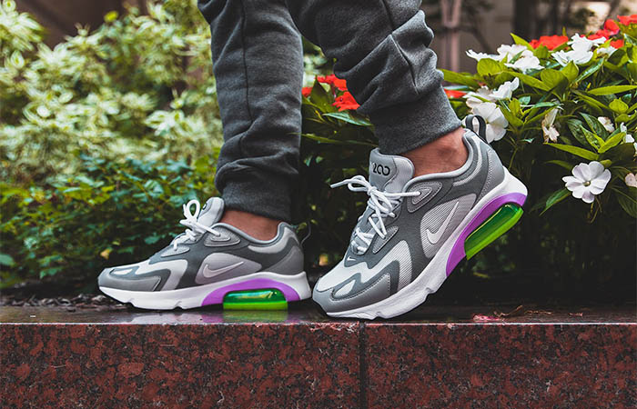 https://fastsole.co.uk/wp-content/uploads/2019/08/Nike-Womens-Air-Max-200-Grey-AT6175-002-on-foot-01.jpg