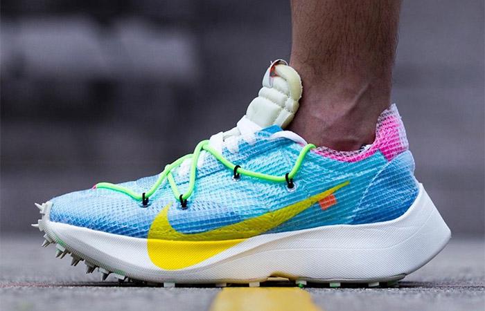 Off-White Nike Vapor Street Sky Blue CD8178-400 on foot 01