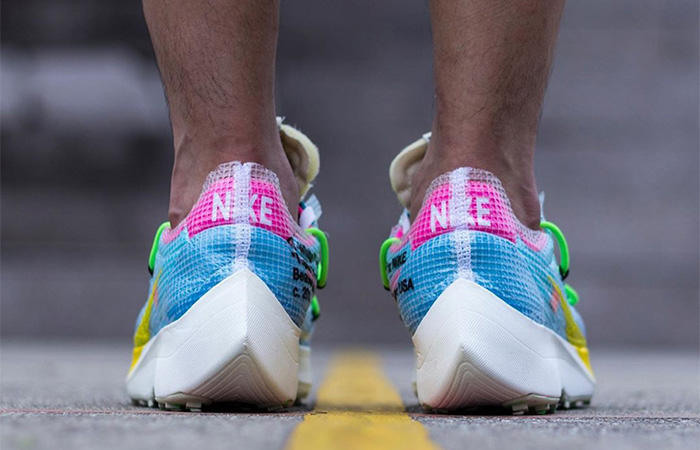 Off-White Nike Vapor Street Sky Blue CD8178-400 on foot 03