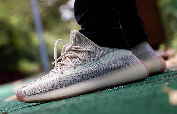 Yeezy Boost 350 V2 Citrin FW3042 on foot 02
