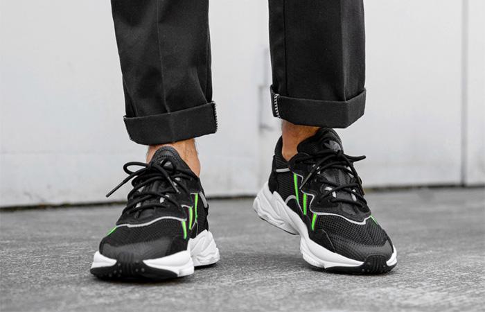 adidas Ozweego Black Green EE7002 on foot 01