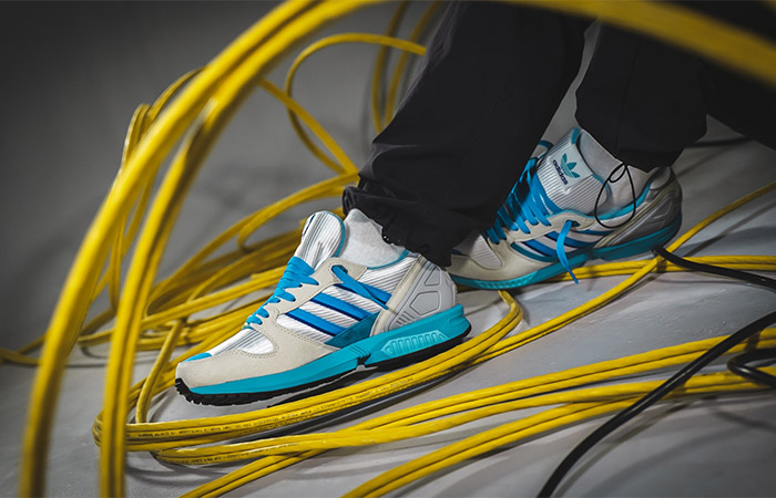 adidas ZX 5000 30 Years Of Torsion Blue white FU8406 on foot 01
