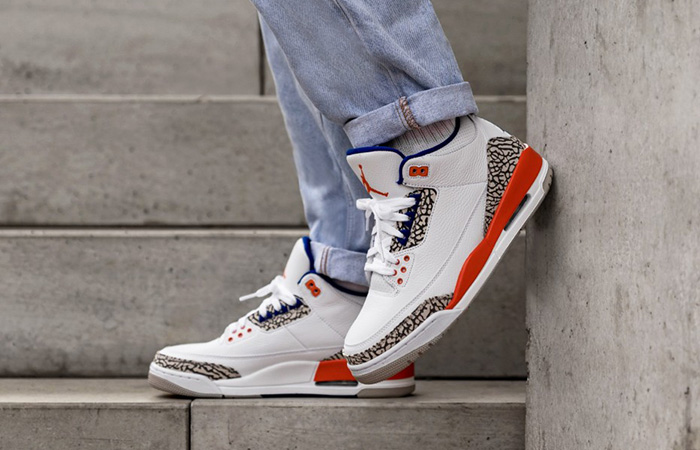 Air Jordan 3 Knicks White 136064-148 on foot 01