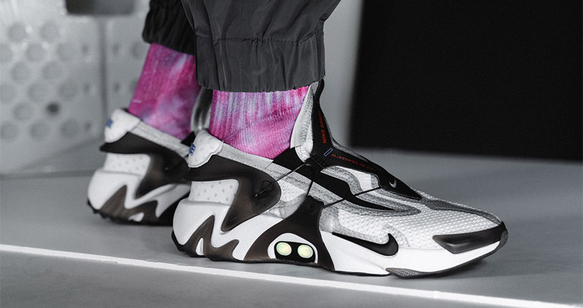 An On Foot Look At The Nike Adapt Huarache Black White 01