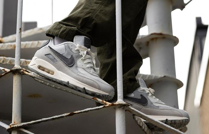 The Basement Nike Air Max 90 Metalic Silver CI9111-002 on foot 02
