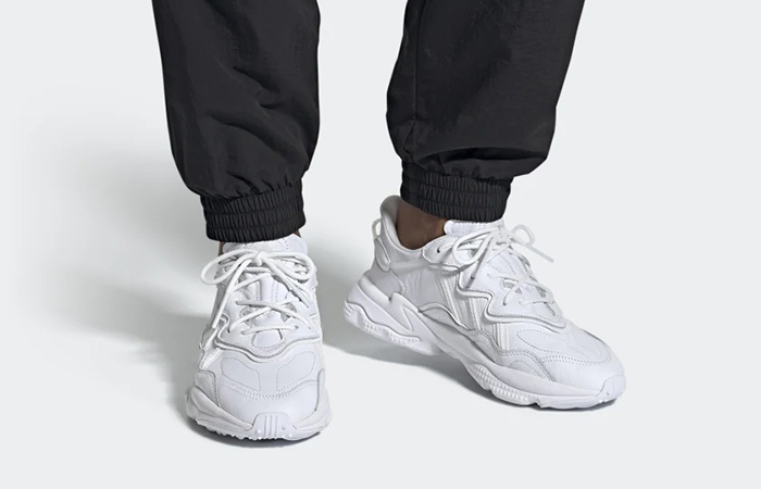 adidas Ozweego Clear White EE5704 on foot 01