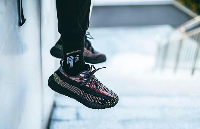 adidas Yeezy Boost 350 V2 Yecheil FW5190 on foot 01