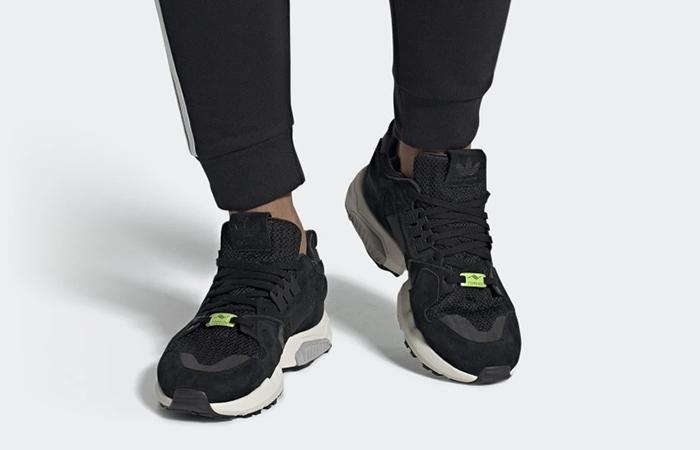 adidas ZX Torsion Black EE4805 on foot 01