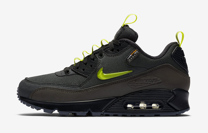 Detalied Look At The Basement Nike Air Max 90 Manchester ft