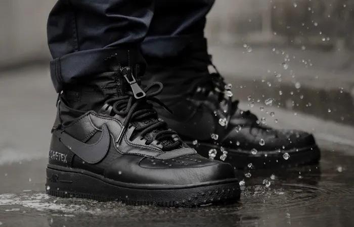 Gore-Tex Nike Air Force 1 High Black CQ7211-003 on foot 01