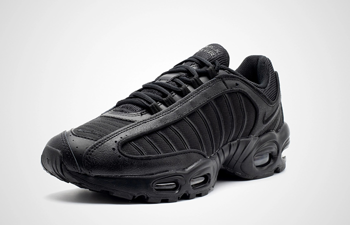 Nike Air Max Tailwind 4 Triple Black AQ2567-005 02