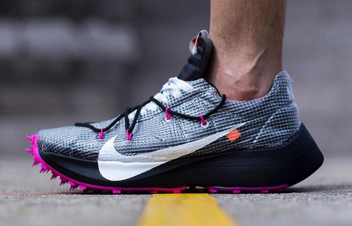 Off-White Nike Vapor Street Black Laser Fuchsia CD8178-001 on foot 01