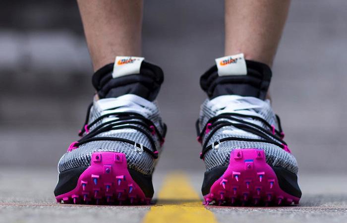 Off-White Nike Vapor Street Black Laser Fuchsia CD8178-001 on foot 03