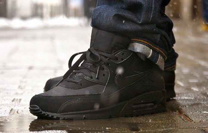 Nike Air Max 90 Core Black on foot 02