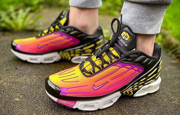 Nike Air Max Plus 3 Hyper Purple CJ9684-003 on foot 01