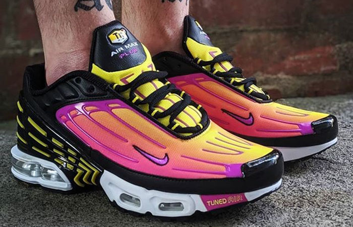 Nike Air Max Plus 3 Hyper Purple CJ9684-003 on foot 02