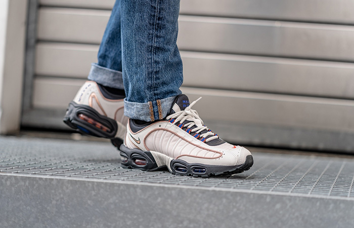 Nike Air Max Tailwind 4 SE Phantom CJ9681-001 on foot 01