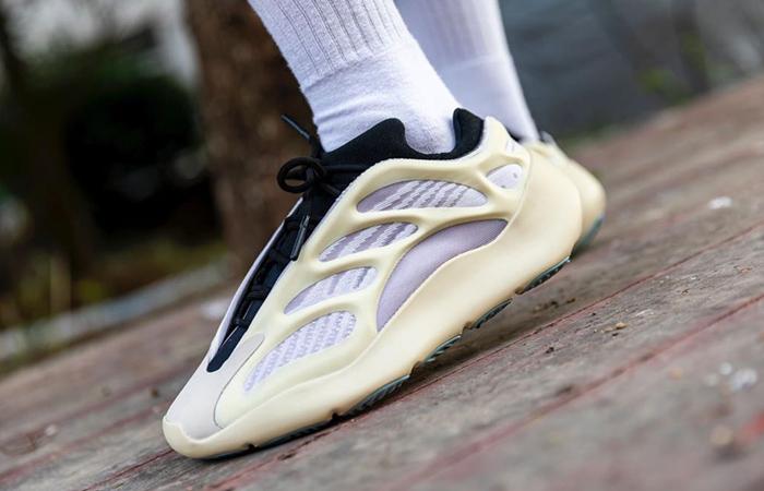 adidas Yeezy 700 V3 Azael FW4980 on foot 03