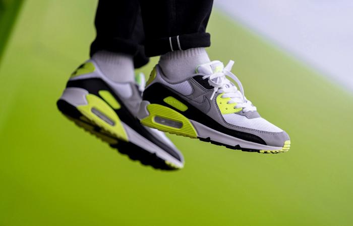 Nike Womens Air Max 90 Yellow Grey CD0881-103 on foot 02