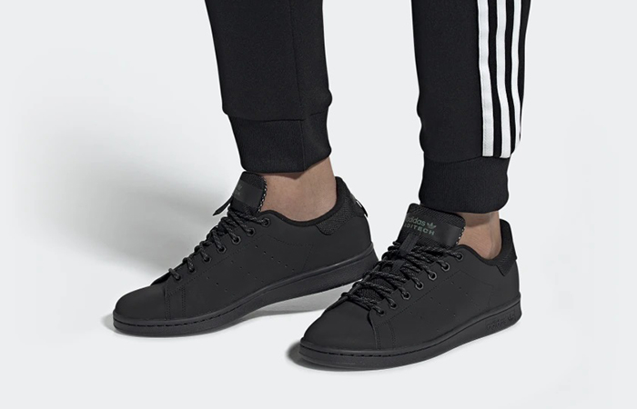 adidas Stan Smith Core Black FV4641 on foot 01