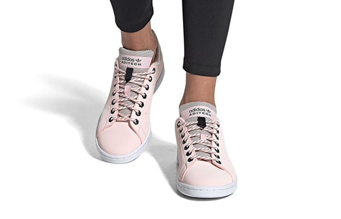 adidas Stan Smith Soft Pink FV4653 on foot 01