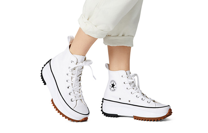 Converse Run Star Hike High White Black 166799C on foot 01