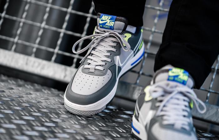 Nike Air Force 1 React DMSX Grey White CD4366-002 on foot 02