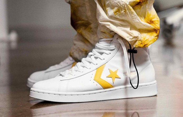 Converse Pro Leather Mid Yellow White 166812C on foot 01
